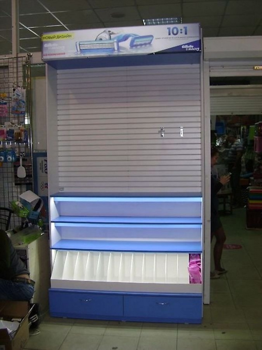 Торговая витрина световая с эконом панелью